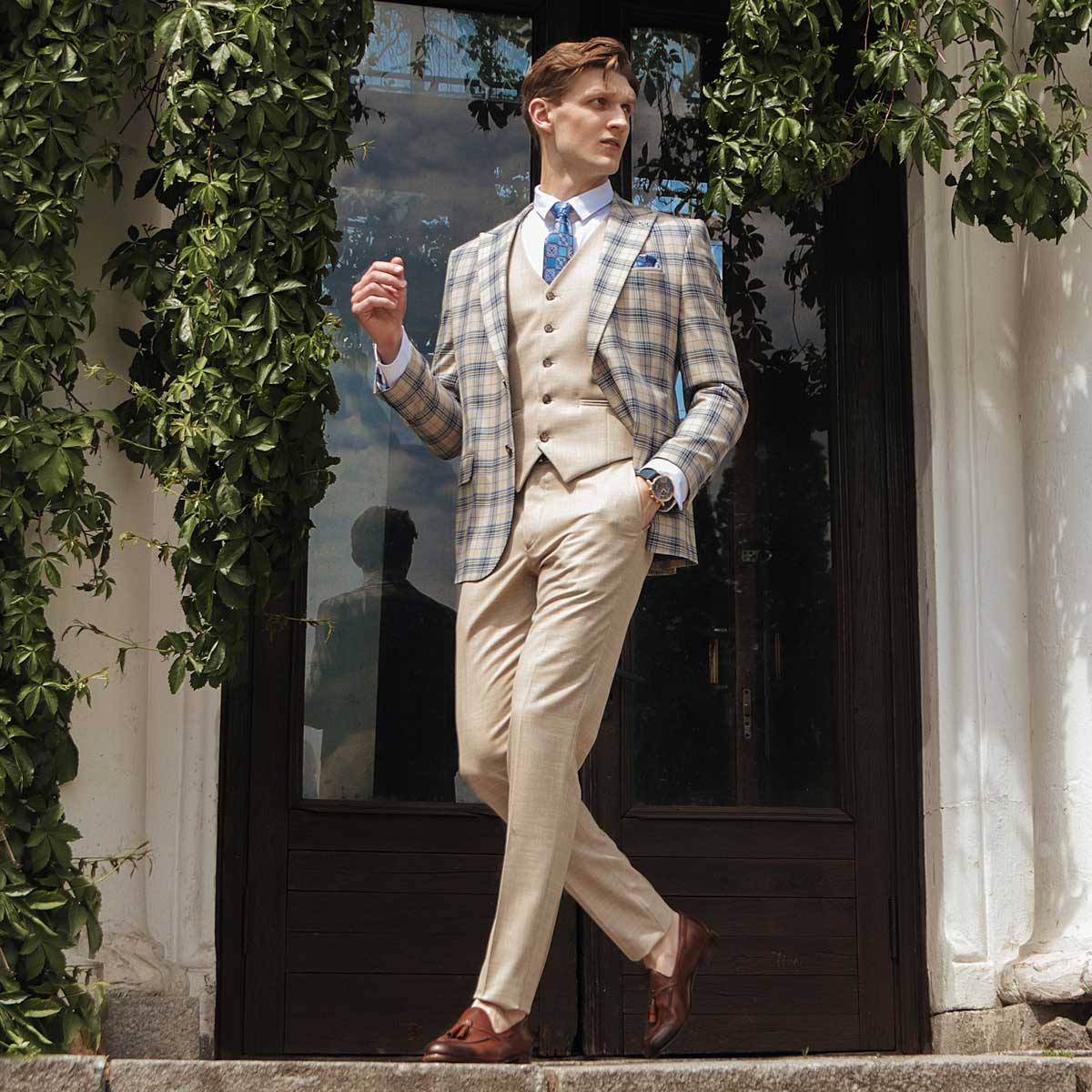 Sand three-piece suit men's